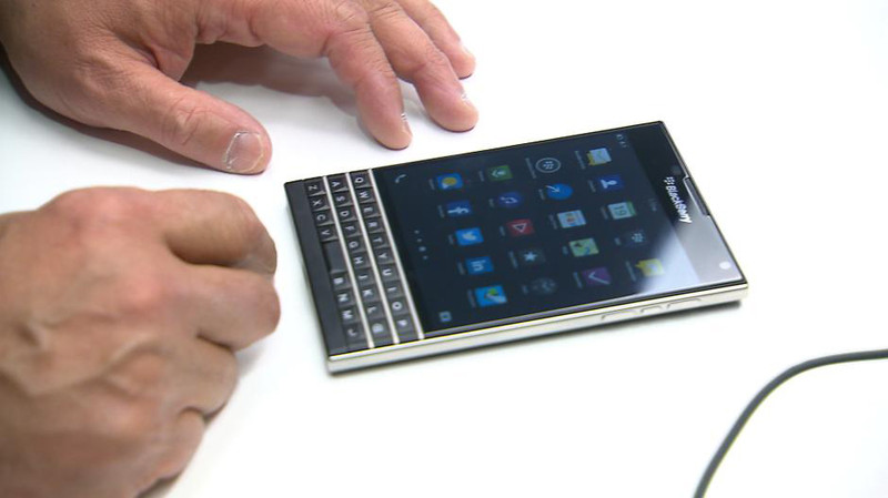 BlackBerry Passport Smartphone - Foto © Crackberry