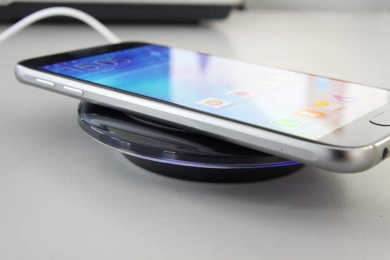 Samsung_Wireless_Charger_Smartphone_klein
