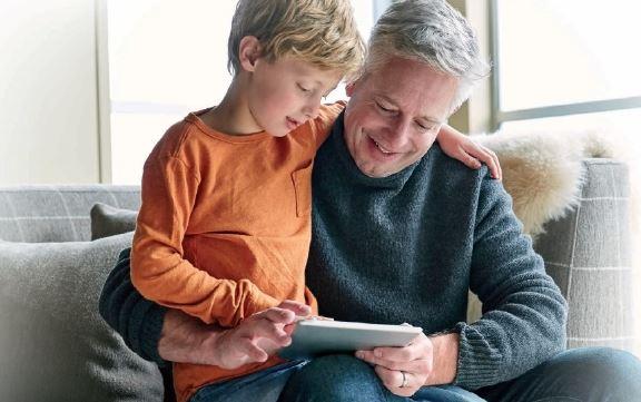 Bei Cybermobbing brauchen Kinder einen Erwachsenen als Vertrauensperson