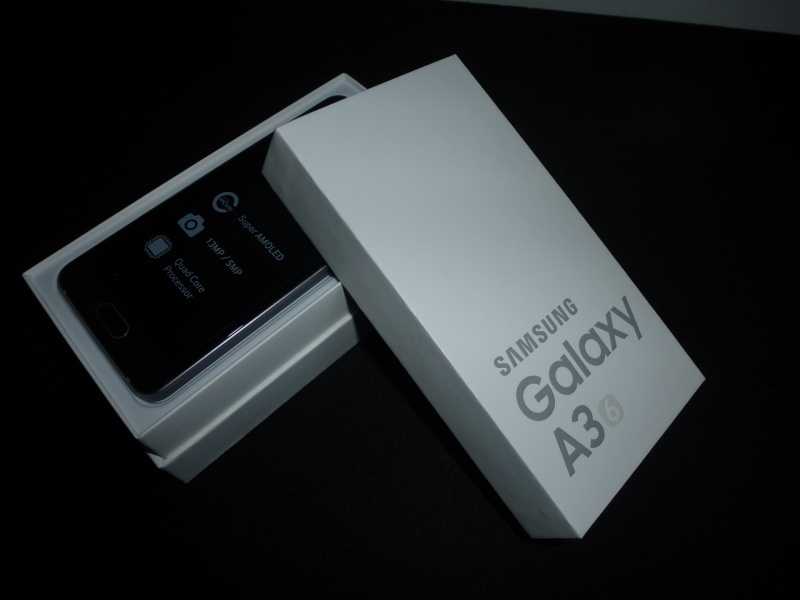Samsung Galaxy A3 Verpackung Design Test