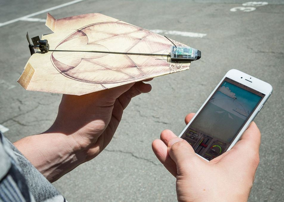PowerUp 3.0 Smartphone gesteuerter Antrieb für Papierflieger