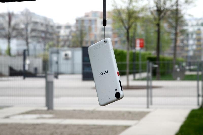 HTC Desire 530 Schlaufe Handhabung