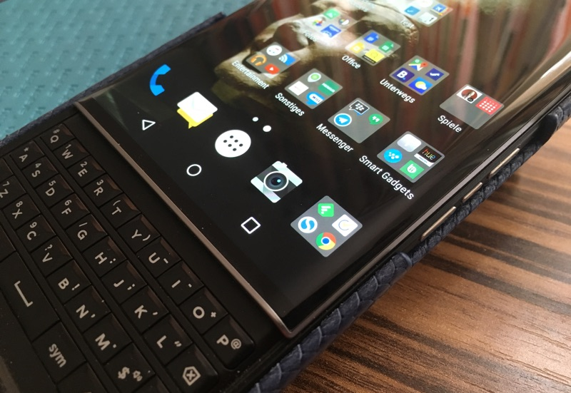 Android Apps am BlackBerry PRIV Smartphone - Foto © Helmut HAckl
