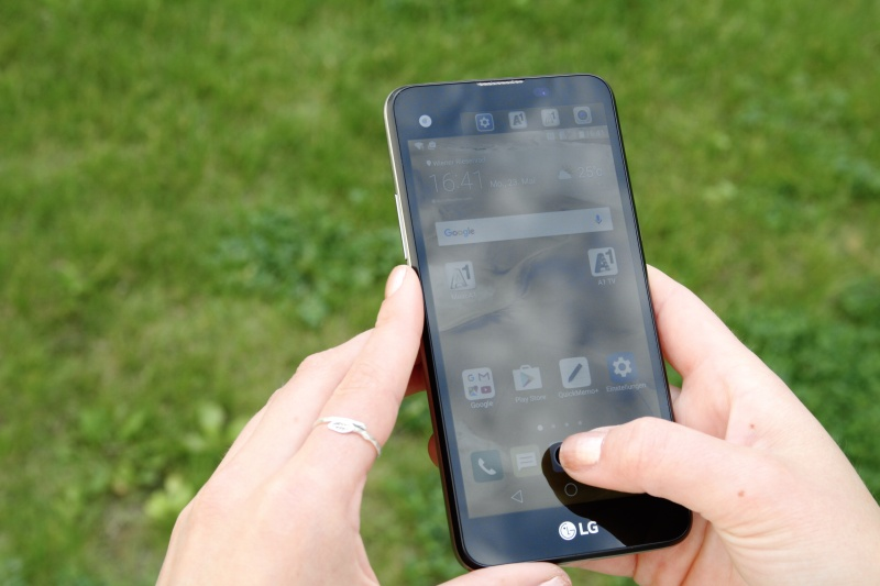 LG X-Screen Design