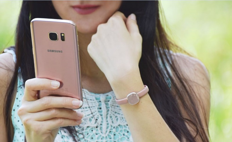 Samsung Charm und Samsung Galaxy S7 in der Farbe Pink Gold