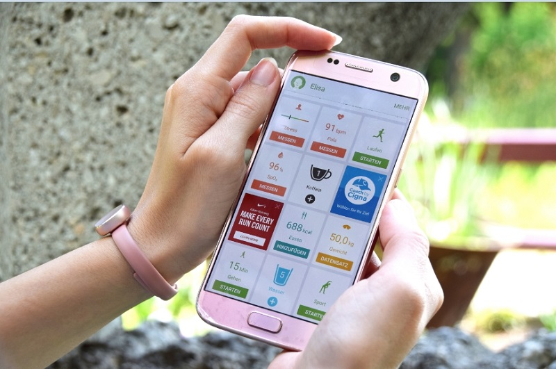 Samsung Charm mit S health App am Galaxy S7 in Pink Gold