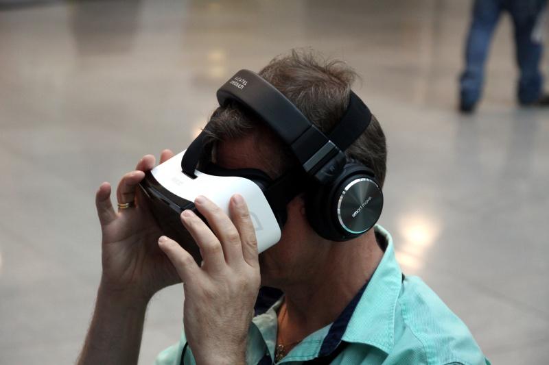 Alcatel Idol VR