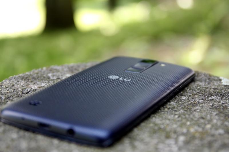 LG K8 Rückseite