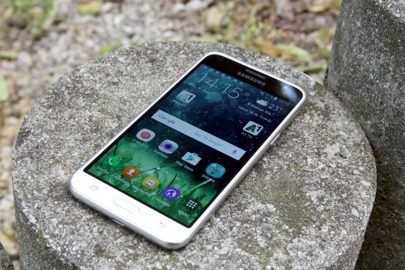 Samsung Galaxy J3 Rahmen