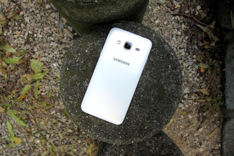 Samsung Galaxy J3 Rückseite