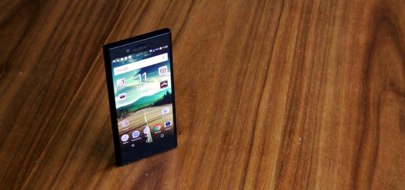Sony Xperia X compact Design