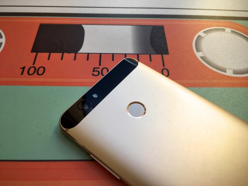 Fingerabdruckscanner am Smartphone - Foto © Helmut Hackl