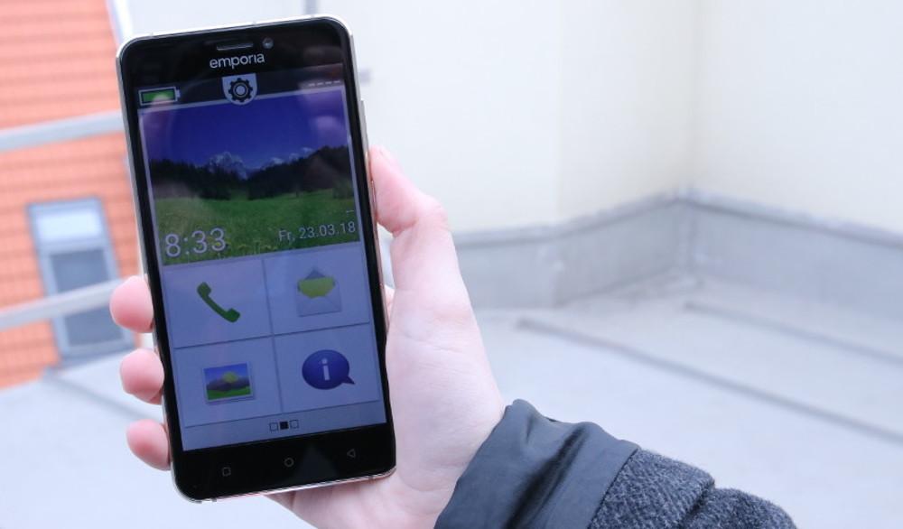 im test senioren smartphone emporia smart 2 a1blog. Black Bedroom Furniture Sets. Home Design Ideas