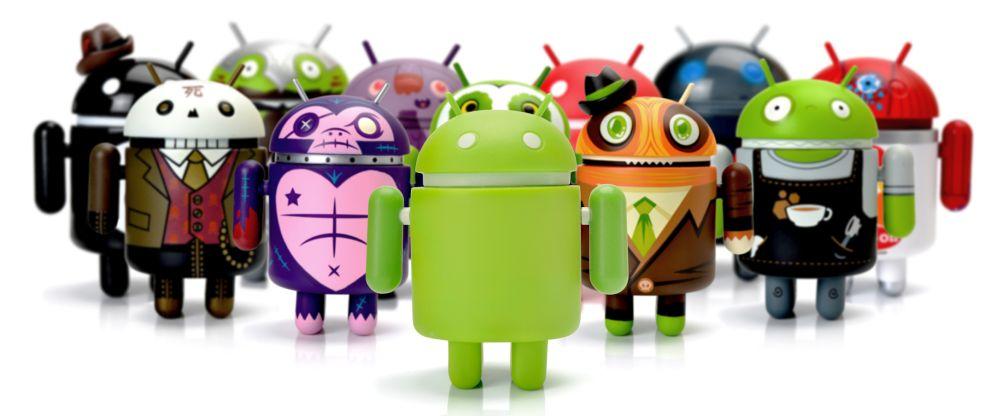 Unterschiedlich angezogene Android Maskottchen