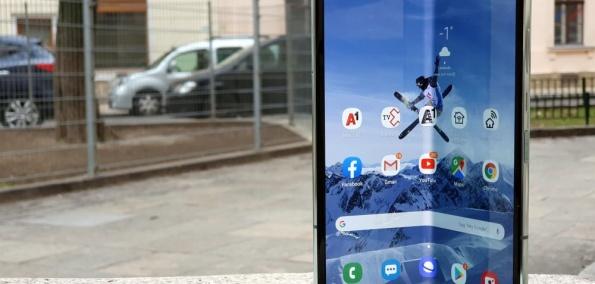 Samsung Galaxy Fold 5G Test aufgeklappt