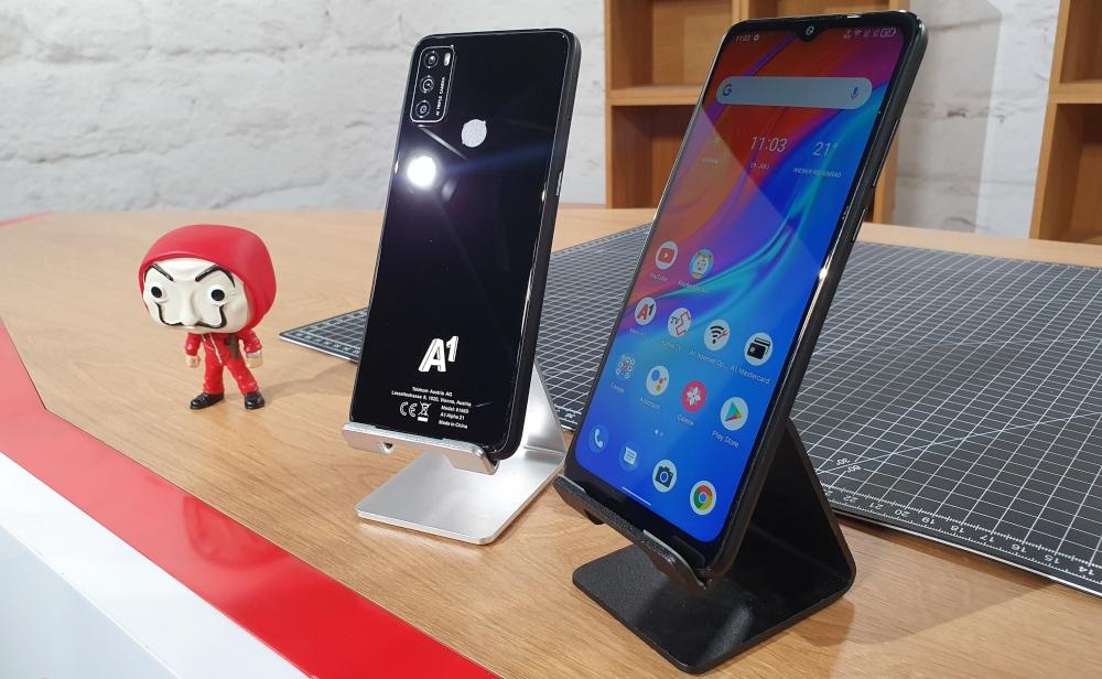 A1 Alpha 21 Smartphones von hinten und von Vorne